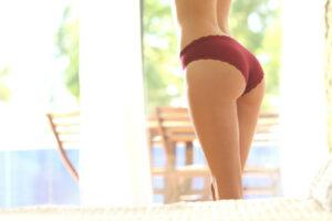 a woman's butt and legs with no cellulite